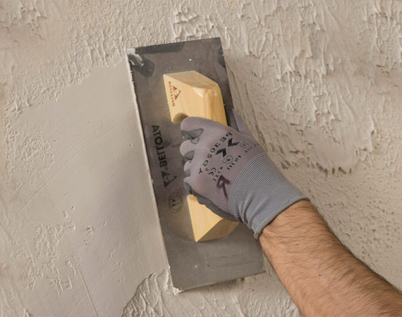 Servicios de Pintores. Alisado de paredes y quitar gotelé en Madrid